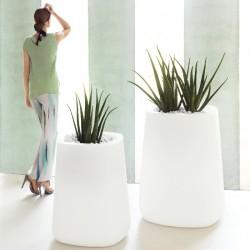 Vasija cuadrada alta LED RGB VONDOM