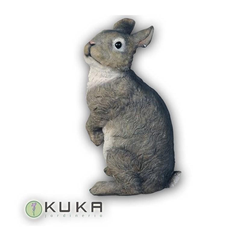 Figura conejo gris de pie