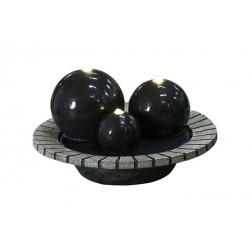 Fuente resina tres esferas