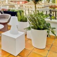 Newgarden: macetas y mobiliario exterior